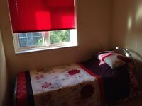 NO DEPOSIT TODAY YOU CAN MOVE IN NEW ROOM EVERYTHING RADY VERY NICE BESIDE THE STATION