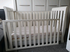 OBaby Lincoln cotbed- *good condition*