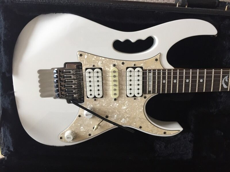 Ibanez Jem 555 inc Ibanez Hard Casein Borehamwood, HertfordshireGumtree - Ibanez Jem 555Includes Ibanez Hard Case and original tagsCondition Good, Home use onlyBuyer collects