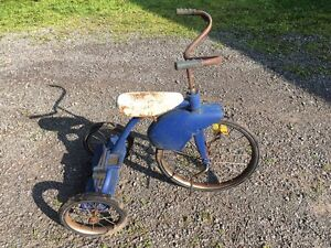 Antique Tricycle with stylish Fender