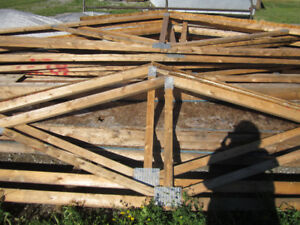 Garage walls 22 ft by 20 ft with trusses (PhoneCallsOnly)Thanks