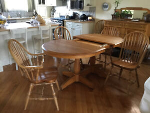 Amish Two Pedestal Dining Table With Six Chairs