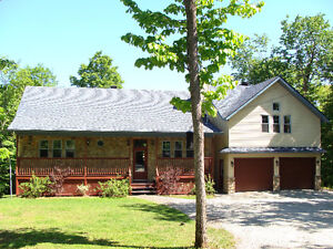 Gorgeous house for sale Cantley QC 2600 sq', 4 bed, 2 bath, 1.4a