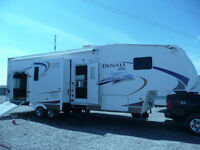 2008 Dutchmen Denali 330XRV Fifth Wheel