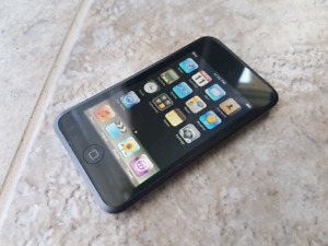 16 GB IPod Touch (1st Gen)