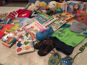 Métro de Castelnau Lot Premiers souliers bébé ergo + jouets +++