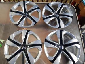 """Enjoliveurs 16"""" Honda hubcaps"""