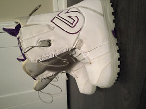 Woman's Burton Snowboard Boots US 7.5  - Transfer Speed Zone