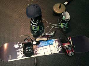 Rome Agent 148 snowboard with Mission bindings and Rome boots