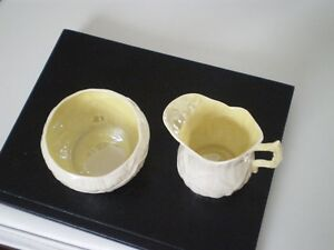 Belleek Porcelain Lily Cream and Sugar Kitchener / Waterloo Kitchener Area image 8