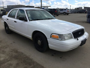 2010 Ford Crown Victoria Police intercepter Sedan 234000 km