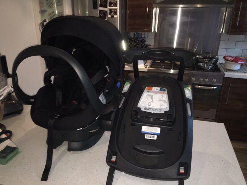 stokke izi sleep car seat with izi sleep isofix base in rothwell west yorkshire gumtree. Black Bedroom Furniture Sets. Home Design Ideas
