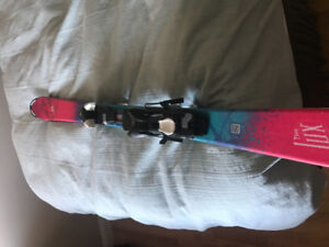 Lady's/girls ski's, boots and bindings