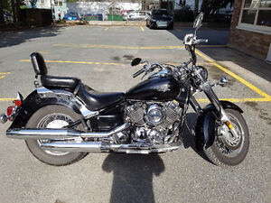 Black 2007 Yamaha V-Star Classic 650 motorcycle with extras