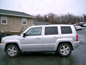 Only $3800- 2010 Jeep Patriot 4x4 North edition!