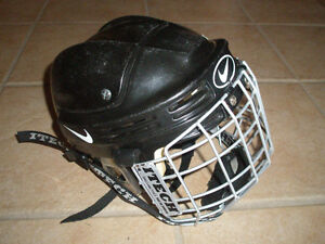 Nike Bauer HH0004 Hockey Helmet CSA Approved