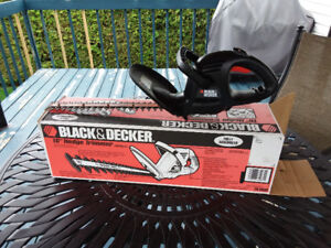 "TAILLE-HAIES 16"" Black & Decker"