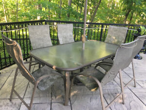 Homecrest Outdoor Table & Chairs