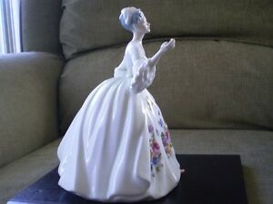 "Royal Doulton Figurine - "" Diana "" HN 2468 Kitchener / Waterloo Kitchener Area image 4"
