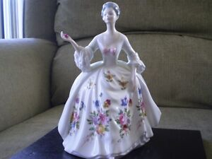 "Royal Doulton Figurine - "" Diana "" HN 2468 Kitchener / Waterloo Kitchener Area image 1"
