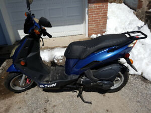 Scooter Eton Matrix 150 gas