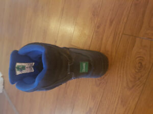 Boys Cougar size 2 youth winter boots