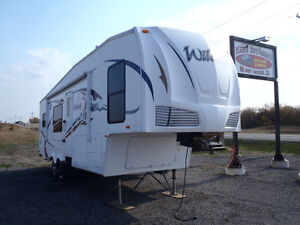 2009 Wildcat by Forest River 28' 5th wheel camper