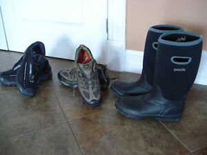 Shoes and rain boots men size 8 London Ontario image 1
