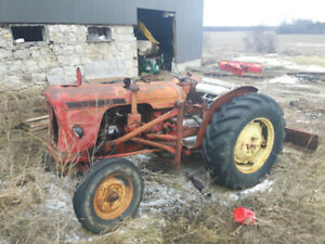 1959 David Brown Tractor. Runs and works like it should.