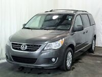 2010 Volkswagen Routan Highline 4.0L TV/DVD Leather Sunroof