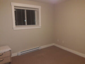 $450 Private Room in 2 Too. Basement Immediately(Female Student)