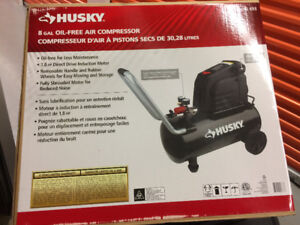 Husky 8 gal oil free air compressor
