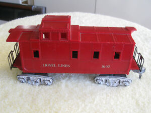 GROUP of OLD VINTAGE LIONEL TRAIN PARTS