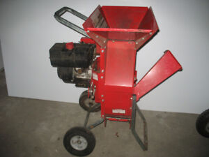 TROY-BILT SUPER TOMAHAWK  2 IN 1 CHIPPER/SHREDDER