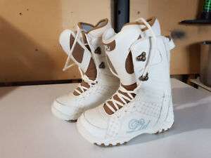Snowboard boots ladies size 7