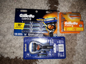 Philips Fusion ProGlide 5 blades and handle for sale brand new i
