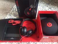 Dr Dre Beats Mixr headphones (David Guetta)