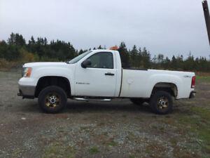 2008 GMC Sierra 2500 Pickup Truck with plow