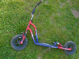 Air Tire Scooter / Trotinette   $40  ***