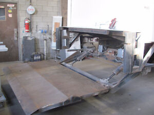 monte charge 3000lbs ,tail gate ,lift