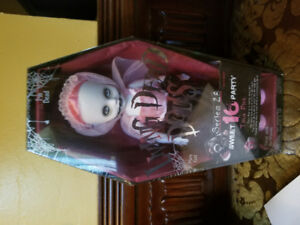 Living dead doll tina pink sweet 16 party