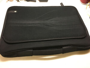 Laptop Sleeve 15 1/2 inches Black very good condition