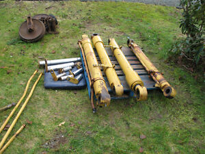 Cat e120b cylinders