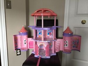 My little pony castle  Kitchener / Waterloo Kitchener Area image 1