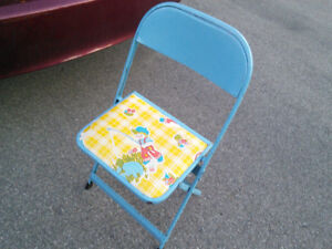 Vintage 1970s Cooey children's table and chairs set