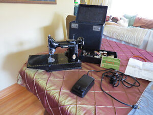Attention Quilters and Crafters 1949 Singer Featherweight 221