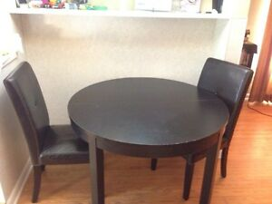 kitchen table and Tv stand for sale