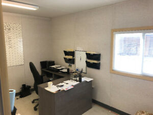 Building with office space and or storage  $950 utilities inc