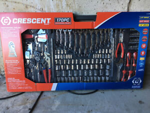 Crescent 170pc Professional Tool Set