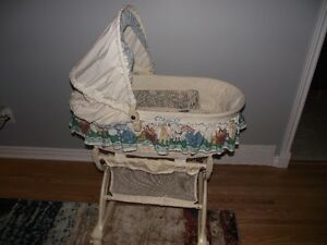 Bassinet, clean condition